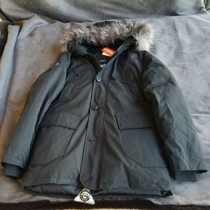 Super dry Rookie Down Parka in Black